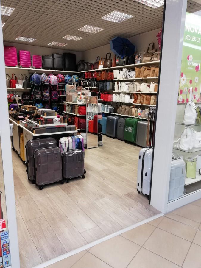 Prodejna PROSCH BAGS, OC Varyáda, Karlovy vary